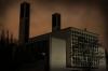 Imposanter Schatten: Die Bonifatiuskirche in Dudweiler Süd