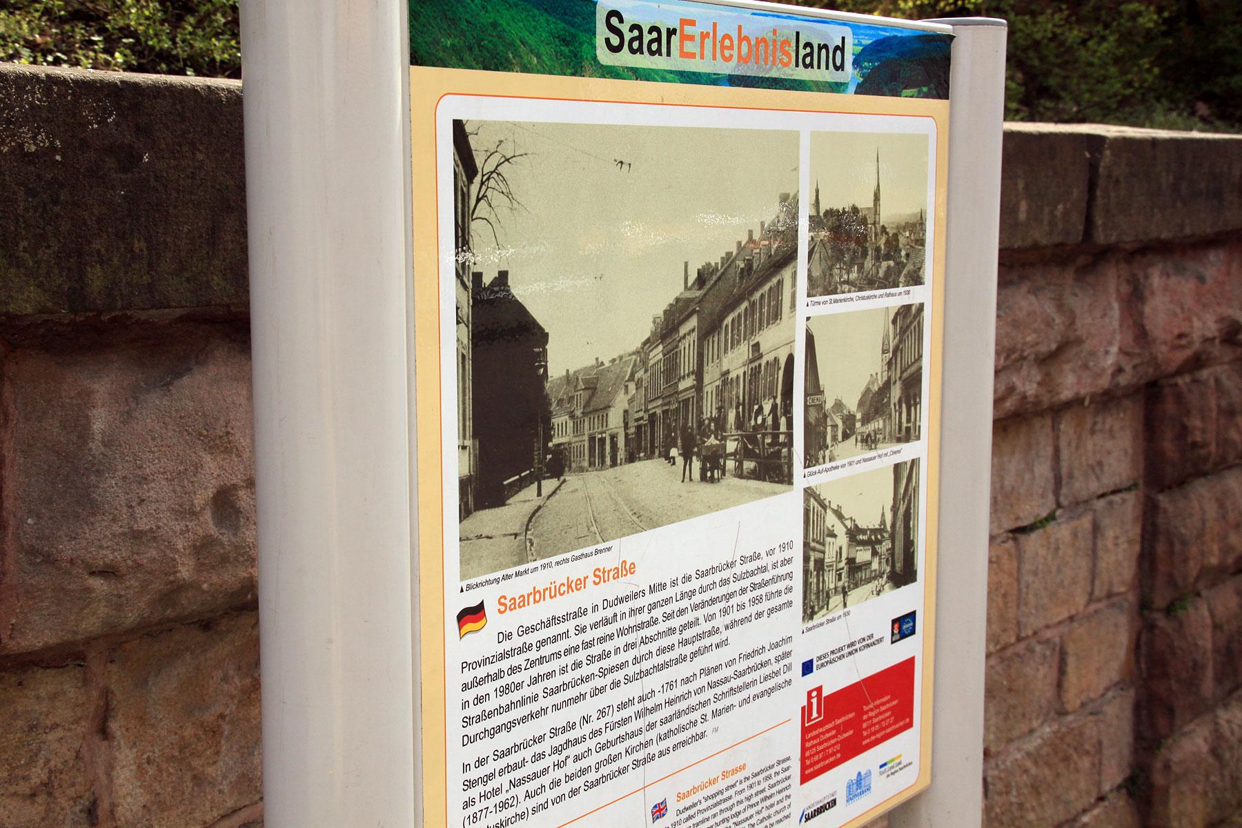 Hinweisschilder zur Stadtgeschichte