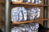 Die Auftragsbücher sind gut gefüllt - zahlreiche reparierte Schuhe warten auf ihre Abholung