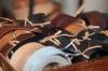 Bei Rosari Scivoli gibt es nicht nur Schuhe, sondern auch Accessoires wie hochwertige Ledergürtel.