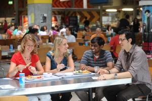 Studenten in der Saarbrücker Mensa (Foto: Universität des Saarlandes/ Pasquale D'Angiolillo)