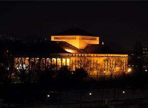 Staatstheater bei Nacht