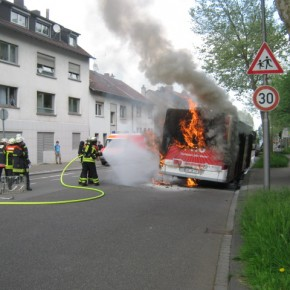 Brennender Linienbus in Jägersfreude