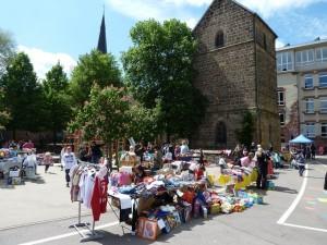 Flohmarkt beim Frühlingsfest der Turmschule (Foto: Förderverein/privat)