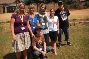 Die deutschen Teilnehmer des Jugendaustausches 2010 bei ihrem Besuch in Ruanda (Foto: Kirchenkreis Saar-Ost)