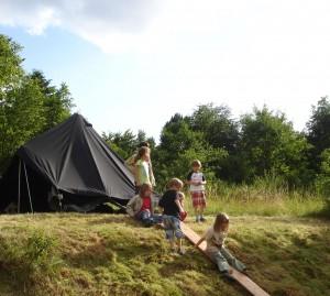 Die Original-Schwarzzelte verbreiteten Zeltlager-Atmosphäre (Foto: privat)