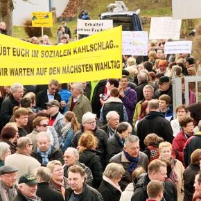 Saarbrücker Stadtrat stimmt gegen Freibadschließung – Rot-rot-grüne Koalition vor der Zerreißprobe
