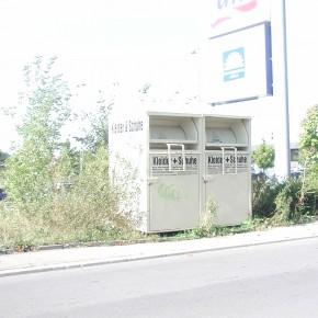 Stadt warnt vor illegalen Altkleidercontainern