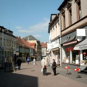 Dudweiler Fußgängerzone 2002 (Foto: Werner Groß)