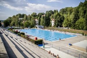 Das Dudweiler Freibad ist bei sommerlichen Temperaturen ein beliebtes Ausflugsziel und aus dem Stadtbild nicht mehr wegzudenken(Foto: BBS)