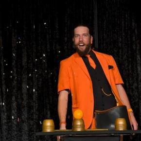 Zauberer Kalibo kommt mit seiner Zaubersocke ins Bürgerhaus Dudweiler