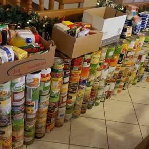 Adventsammlung 2016: Konserven für die Bedürftigen