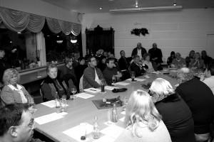 Mehr als 60 Bürger waren zu der Versammlung gekommen (Foto: Thomas Braun)