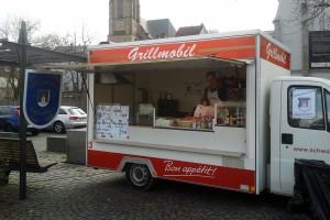 Das HKV-Grillmobil beim Rathaussturm (Foto: Verein)