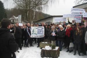 Protestaktion gegen die Schwimmbadschließung (Foto: Förderverein)