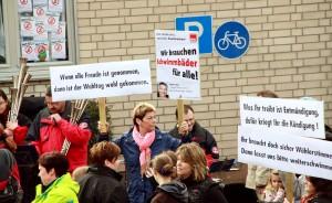 Protestaktion am Freibad (Foto: Thomas Braun)