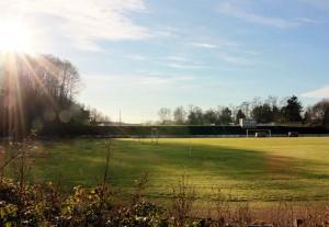 """Stadion """"Brennender Berg"""" auf dem Kitten in Dudweiler (Foto: Thomas Braun)"""
