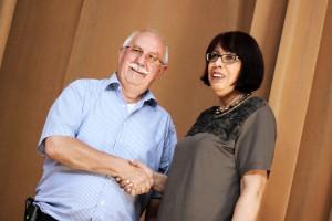 Bürgermeister Schwarz und seine neue 1. Beigeordnete, Gabriele Ungers. (Foto: Thomas Braun)