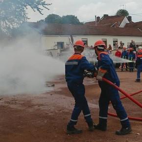 Jugendfeuerwehr bei der Übung (Fotos: Meikel Kreutz)