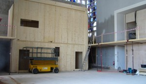 Blick in den Saal zum früheren Altar hin. Juli 2015