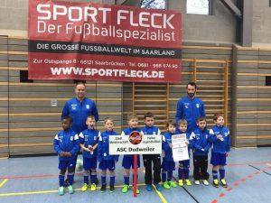 Von links nach rechts: Benjamin, Leandro, Alessio, Luca-Elias, Fabian, Jaden, Joel, Nino und Ty. Trainer: Marco Erb und Mike Lind
